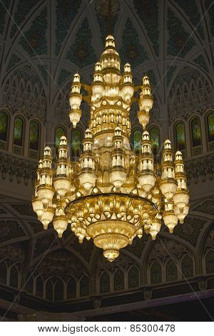 chandelier II Sultan Qaboos Grand Mosque