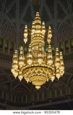 chandelier II Sultan Qaboos Grand Mosque