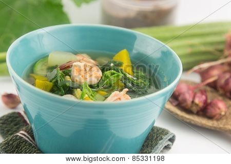 Thai Hot And Spicy Mixed Vegetables With Prawn