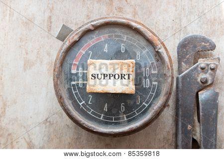 Support. Manometer.