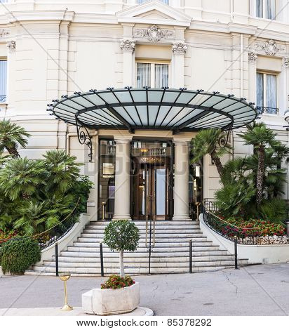 MONTE CARLO, MONACO - OCTOBER 3, 2014: Entrance to Hotel de Paris in Monte Carlo, Monaco