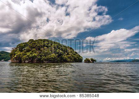 Small island off Trinidad and Tobago
