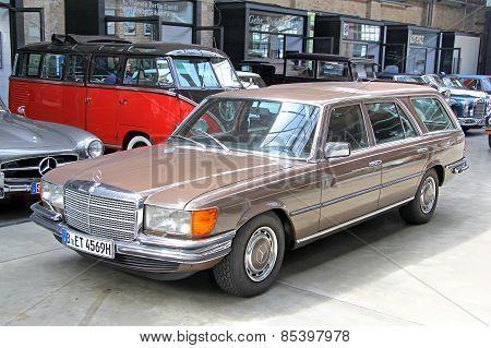 Mercedes-benz W116 450Sel 6.9