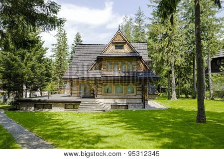 Wooden Residential House In Zakopane