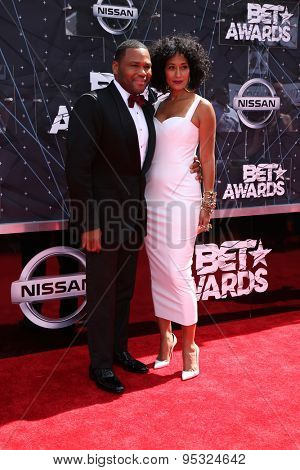 LOS ANGELES - JUN 28:  Anthony Anderson, Tracee Ellis Ross at the 2015 BET Awards - Arrivals at the Microsoft Theater on June 28, 2015 in Los Angeles, CA