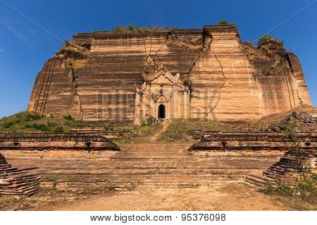 Ruins of the Pahtodawgyi pagoda, damaged by an earthquake, Mingun, Myanmar