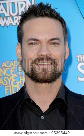 BURBANK - JUNE 25: Shane West arrives at the 41st Annual Saturn Awards on Thursday, June 25, 2015 at the Castaway Restaurant in Burbank, CA.