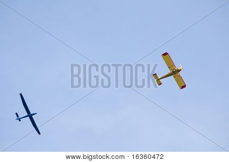 Airplane and glider