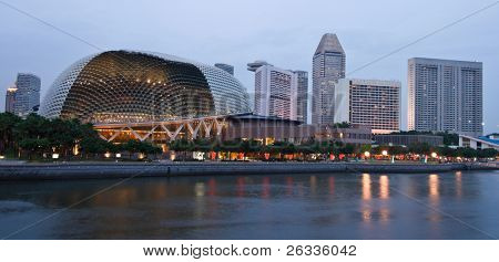 Esplanade (Singapore opera and concert hall Durian) ) at dusk