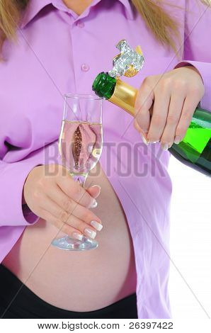 pregnant woman with alcohol