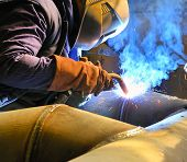 image of welding  - welding with mig - JPG
