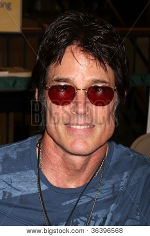 LOS ANGELES - AUG 18:  Ronn Moss at the book signing for William Bell Biography at Barnes & Noble on August 18, 2012 in Ventura, CA