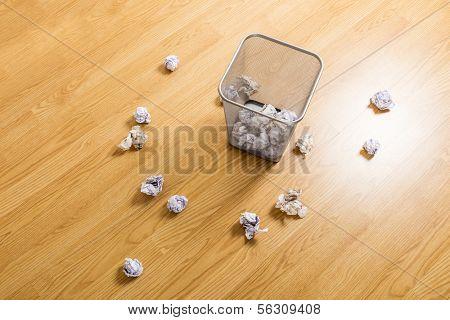 Metallic trash bin and paper ball