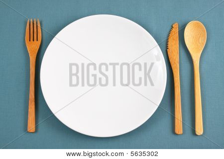 Bamboo Placesetting With White Plate - place for copy in center