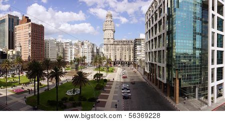 Plaza Independencia On Montevideo