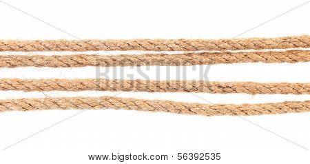 Cuatro cuerdas paralelas.