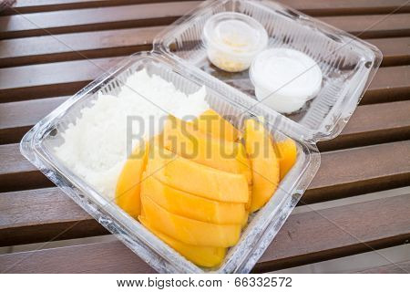Set Of Sweet Mango And Sticky Rice