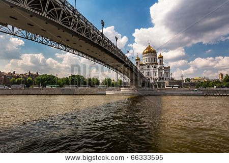 Cathedral Of Christ The Saviour And Pedestrian Patriarshy Bridge, Moscow, Russia