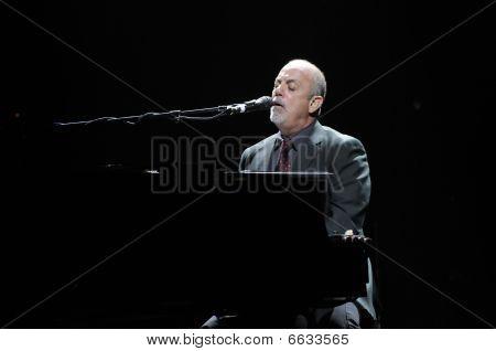 Billy Joel tocando en vivo
