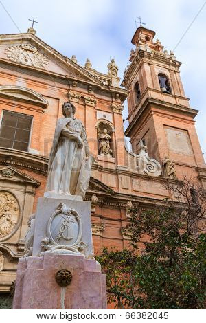 Valencia Santo Tomas church in plaza san Vicente Ferrer with fountain at Spain