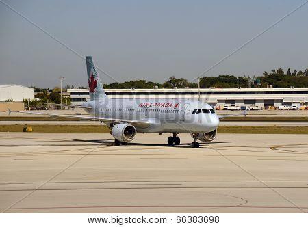 Air Canada Passenger Jet Visits Ft Lauderdale