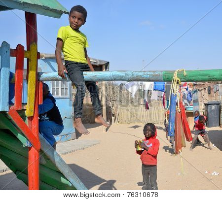 child living in Mondesa slum