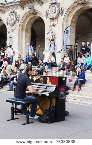 Street unidentified pianist