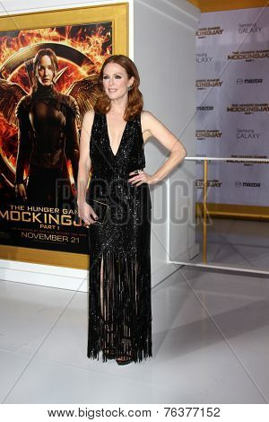 LOS ANGELES - NOV 17:  Julianne Moore at the The Hunger Games: Mockingjay Part 1 Premiere at the Nokia Theater on November 17, 2014 in Los Angeles, CA