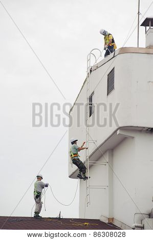 Seoul, Korea - September 6, 2010: Roofers