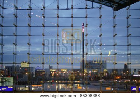 The glass facade of the Berlin central station