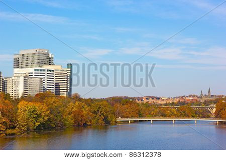 Autumn panorama of metropolitan Washington DC USA.