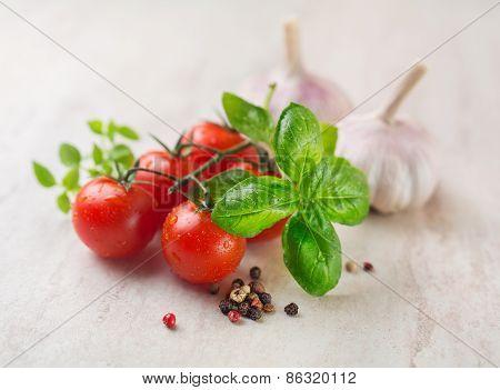 Cherry Tomatoes Basil And Garlic