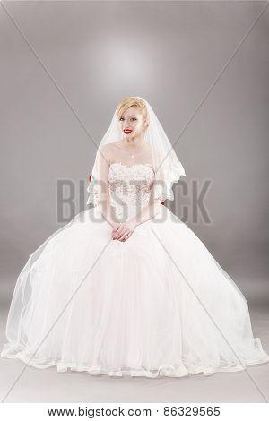 beautiful bride and beautiful wedding dress