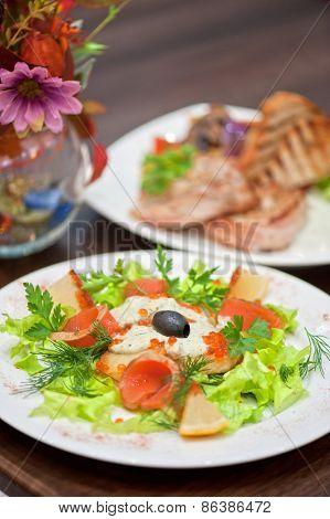vegetable salad with smoked salmon