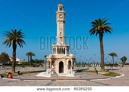 Izmir architecture, Clock Tower At Konak Square