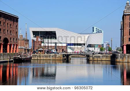 Albert Dock and the Museum of Liverpool.