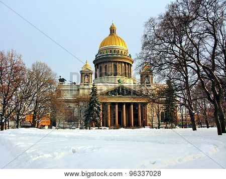 Isaac Cathedral in winter