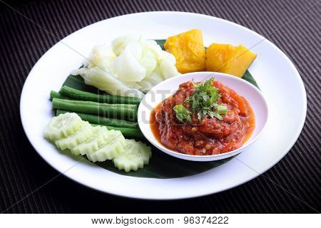 Nam Prik Aong (Northern Thai Meat and Tomato Spicy Dip) and blanched vegetable
