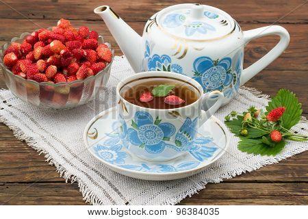 Fresh Strawberry Tea And Strawberries