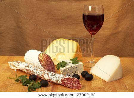 queso y vino tinto