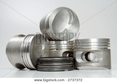 Complete Set Of Pistons