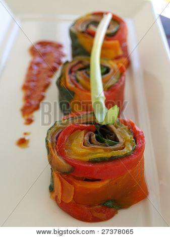 Vegetarian sweet pepper rolls