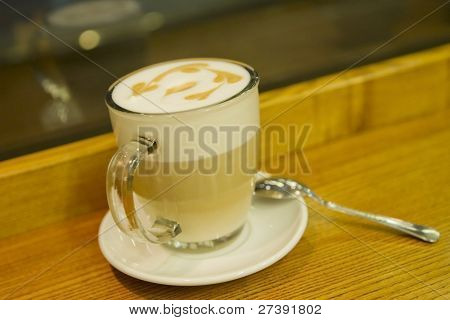 Cafe coffe latte macchiato glass foam pattern