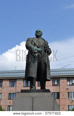 Lenin statue in Vyborg
