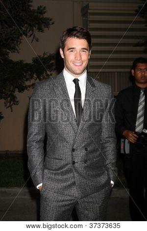 LOS ANGELES - SEP 29:  Josh Bowman arrives at the 2012 Environmental Media Awards at Warner Brothers Studio on September 29, 2012 in Burbank, CA