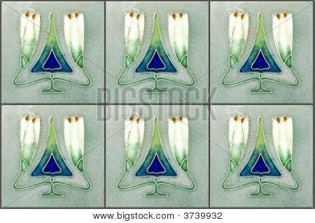 Nyonya Tiles With Tulips