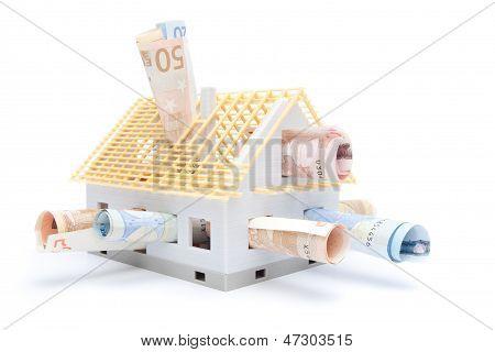 Dinheiro e casa