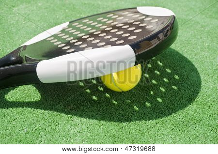 Paddle Racket Shadow.
