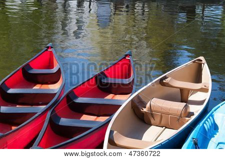 Rental Canoes at Dows Lake