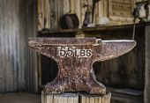 picture of blacksmith shop  - Anvil in blacksmith shop - JPG